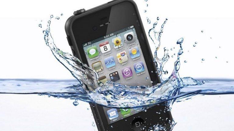 Reparar un Teléfono Dañado con Agua
