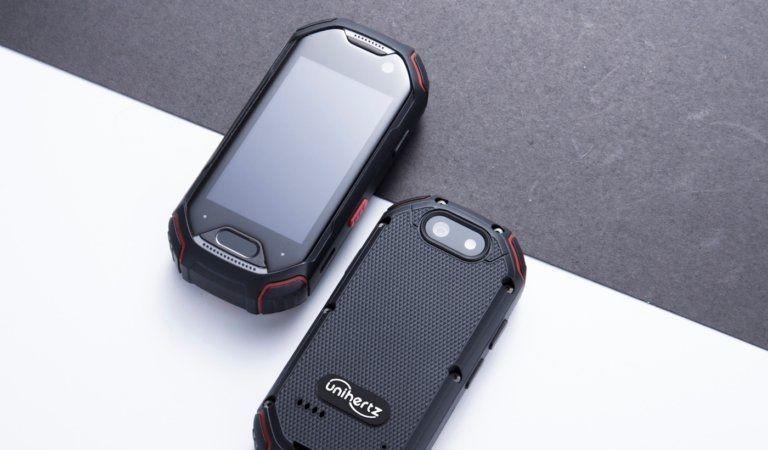 teléfono Atom Android